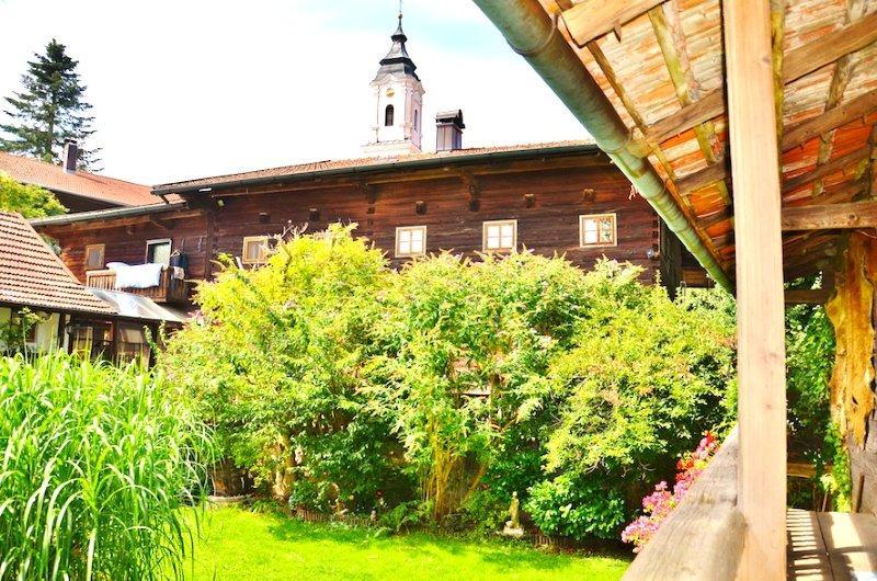 Pilgerhof Haupthaus und Innenhof