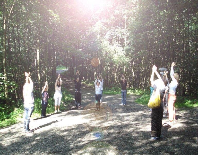 Seminar beim Waldspaziergang